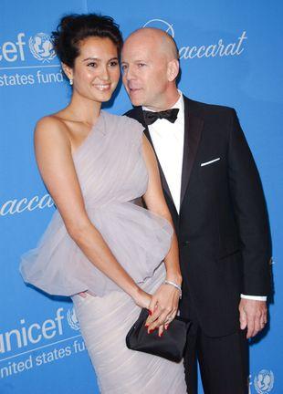 Szczęśliwy Bruce Willis z młodszą kopią byłej żony (FOTO)