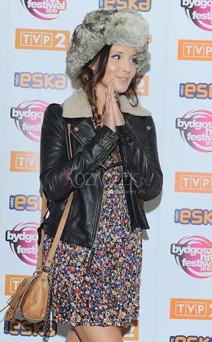 Marina Łuczenko paraduje w futrzanej czapie (FOTO)