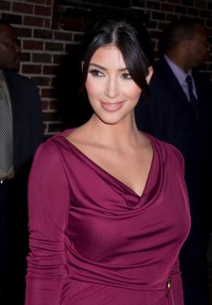 Pięknie czerwona Kim Kardashian
