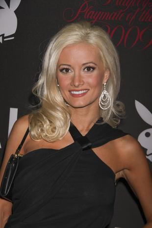 Holly Madison znów u Hefnera (FOTO)