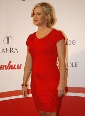 Jennie Garth w czerwieni (FOTO)
