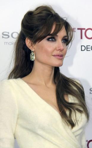 Angelina Jolie: Nie miałam żadnych operacji plastycznych