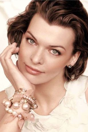 Milla Jovovich dla Ann Taylor [VIDEO]