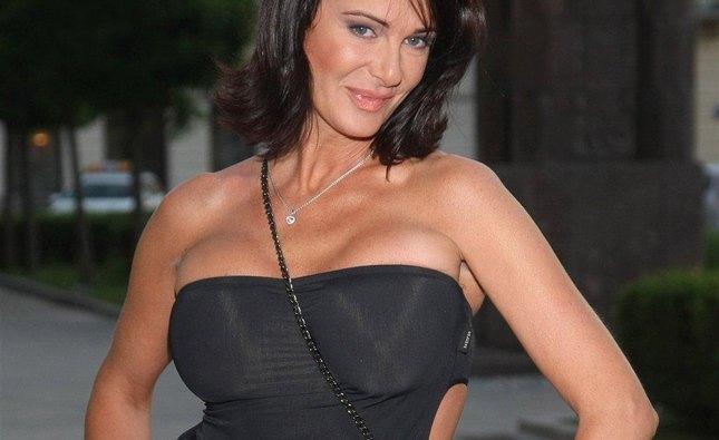 Agnieszka Jaskółka prezentuje imponujący biust (FOTO)