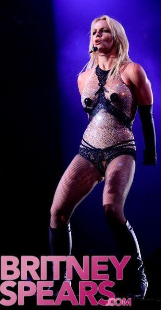 Britney Spears reklamuje perfumy dla homoseksualistów