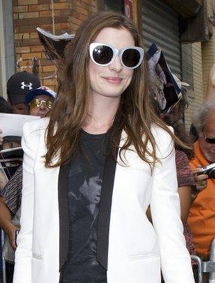 Wielkie okulary Anne Hathaway (FOTO)