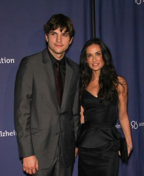 Kutcher i Moore zakochani jak nastolatkowie (FOTO)