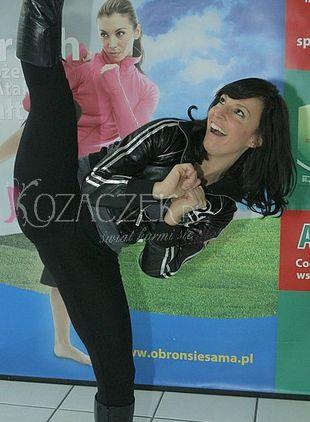 Która polska gwiazdka potrafi zrobić taki szpagat? (FOTO)