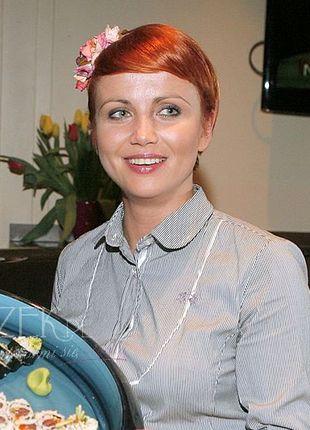 Kasi Zielińska uczy się robić sushi (FOTO)