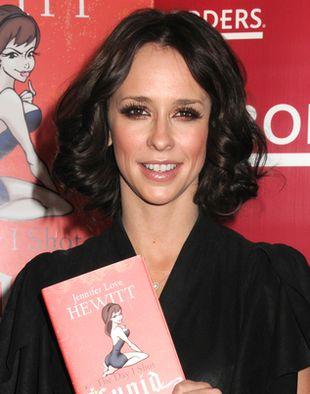 Jennifer Love-Hewitt promuje swoją książkę (FOTO)