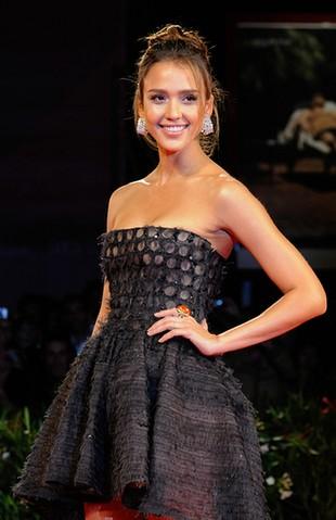Piękna Jessica Alba na premierze Machete (FOTO)