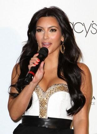 Imperium Kardashianów musi się kręcić (FOTO)