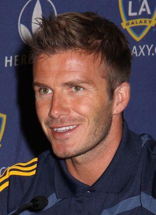 David Beckham w różowych butach piłkarskich