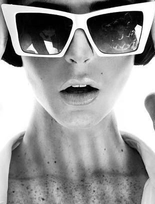 Botoksowa siostra Lindsay Lohan debiutuje (FOTO)