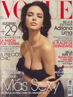 Kto tak kusi z okładki najnowszego Vogue'a? (FOTO)