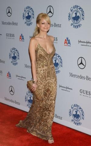 Złota Nicole Richie (FOTO)