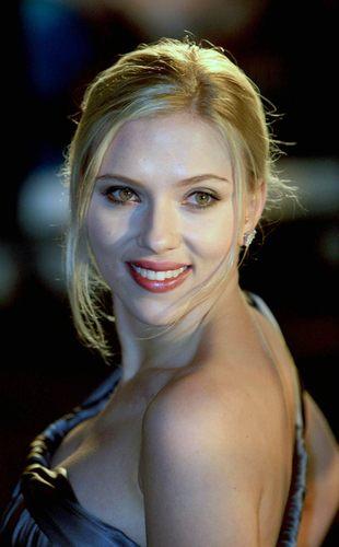 Scarlett Johansson nie powinna śpiewać na żywo