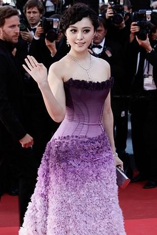 Fan Bingbing – spektakularna suknia w fiolecie (FOTO)