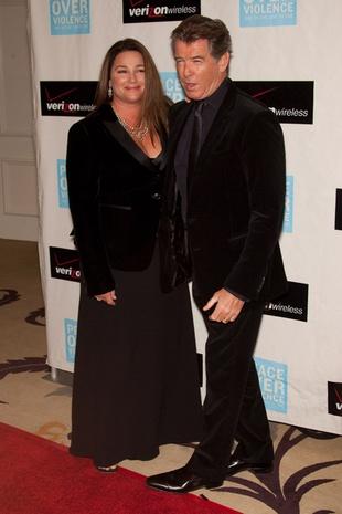 Pierce Brosnan ze swą drugą połową (FOTO)