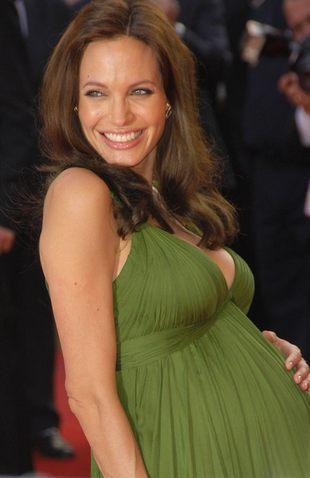 Jolie i afrykański poród