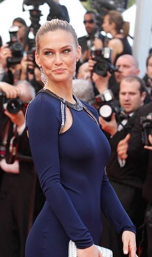 Jej piersi nie potrzebują stanika (FOTO)