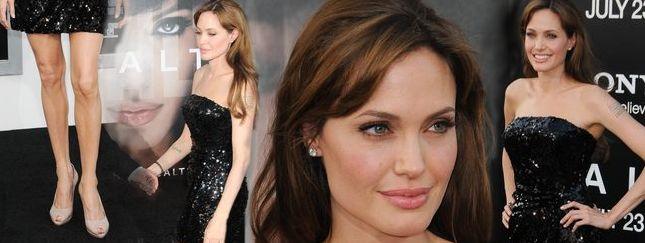 Angelina Jolie na premierze Salt (FOTO)
