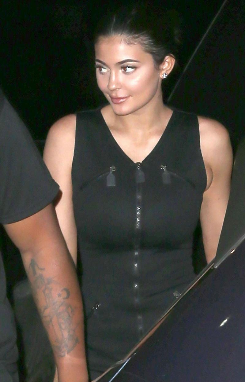 Małe USTA Kylie zmieniły jej twarz! Teraz wygląda zupełnie inaczej (ZDJĘCIA)