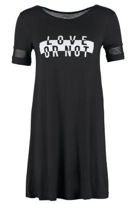 10% rabatu na sukienki i płaszcze w Zalando!