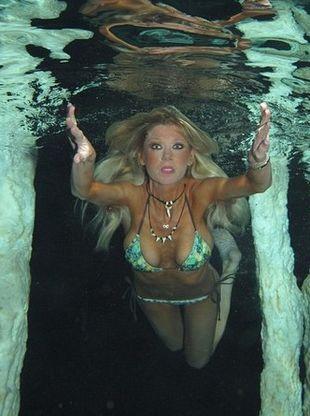 Tara Reid pokazała swoje nagie ciało. Przerażające?