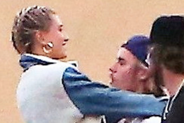 Bieber na randce z Baldwin zrobił coś, co UWIELBIA!