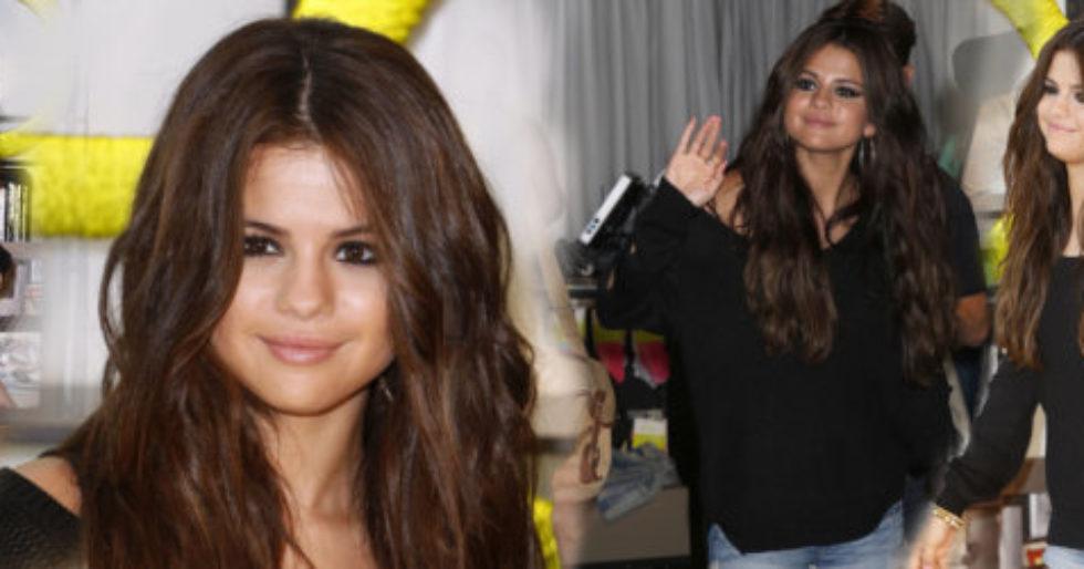 Selena Gomez W Swetrze Na Czerwonym Dywanie Foto Kozaczek