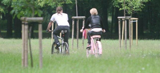 Doda z Nergalem na rowerach (FOTO)