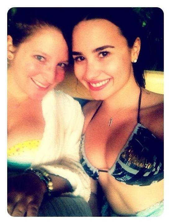 Demi Lovato: Moje cycki są jak ślady po ukąszeniach komarów!