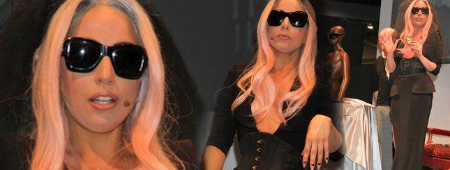 Lady Gaga niczym czarna wdowa (FOTO)