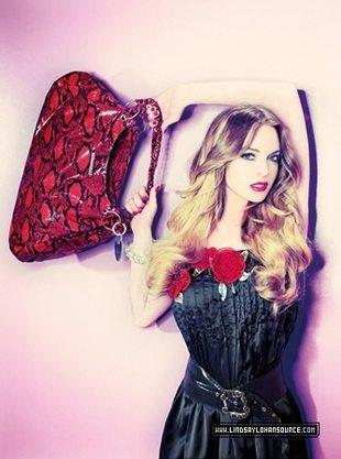 Lindsay Lohan emanuje seksapilem (FOTO)