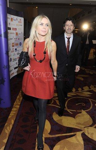 Czy Monika Olejnik wynajęła stylistkę? (FOTO)