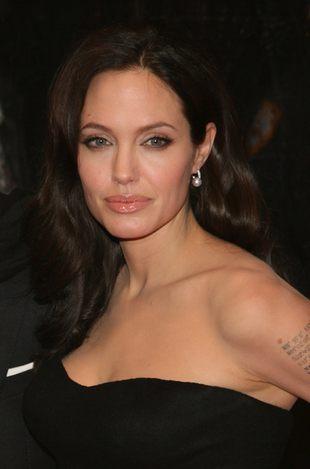 Piękna Angelina Jolie promuje swój film (FOTO)