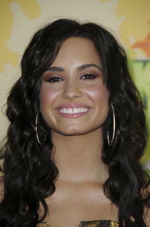Demi Lovato przesadza z makijażem (FOTO)
