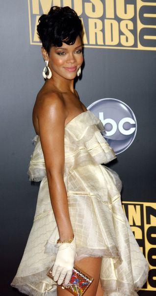 Rihanna chce, by Brown przeprosił ją publicznie