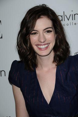 Anne Hathaway zagra królową
