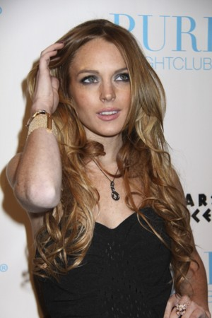 Lindsay Lohan z ukochaną na pokazie swojej kolekcji ubrań