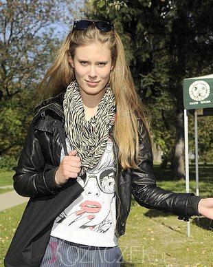 Julia Pietrucha z łopatą (FOTO)