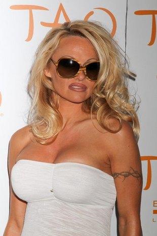 Pamela Anderson to weteranka Playboya, operacji plastycznych i rozbieranych