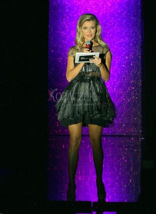 Joanna Krupa na pokazie mody (FOTO)