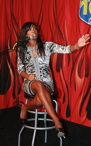 Kelly Rowland w seksownej mini (FOTO)