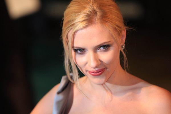 Scarlett Johansson twierdzi, że potrafi śpiewać