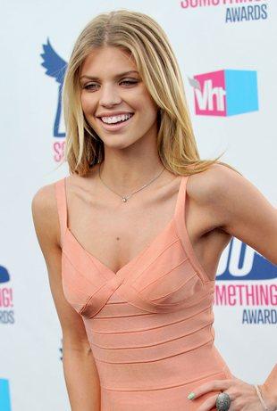 Czy AnnaLynne McCord powinna nosić bandażowe sukienki? FOTO