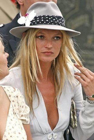 Na ręce Kate Moss wyrosło coś obrzydliwego