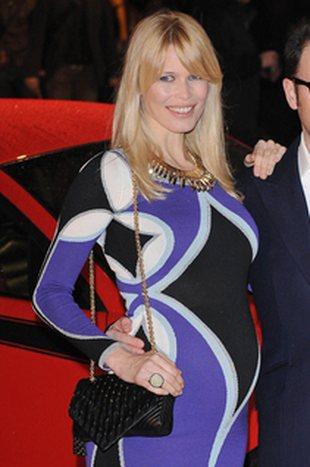 Ciążowy brzuszek Claudii Schiffer (FOTO)