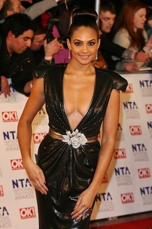 Najgłębszy dekolt National Television Awards (FOTO)
